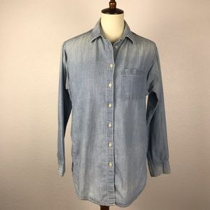 Madewell Chambray Button Down Shirt T236